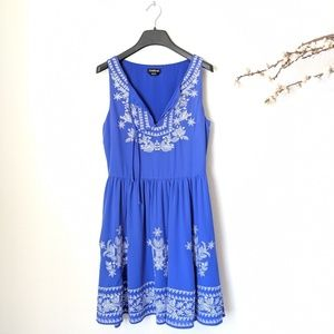BEBE Sheath Sleeveless Boho Dress Embroidered Blue
